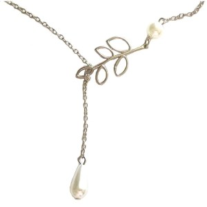 Necklace – Silver Color and Pearls