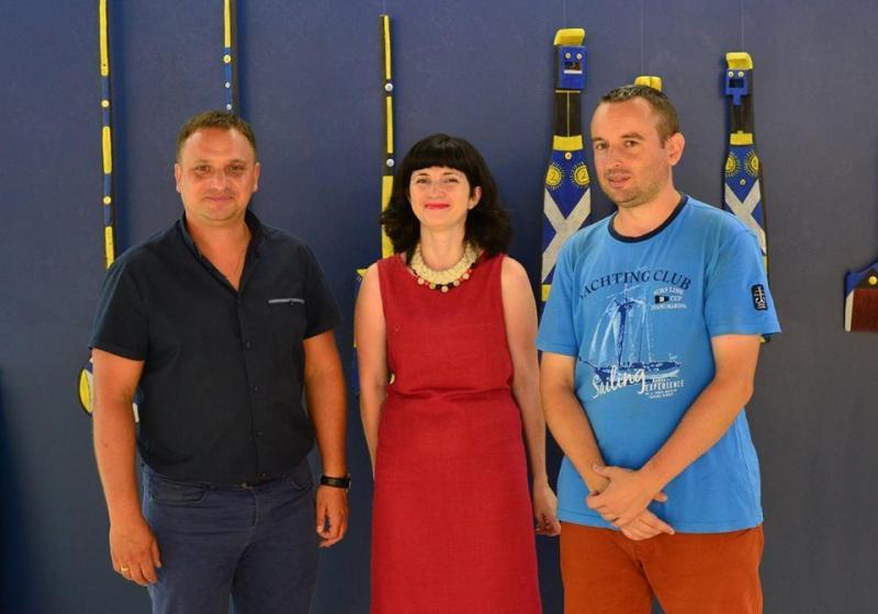 Організатори виставки Ольга Ковалевська та Костянтин Аленінський (праворуч)