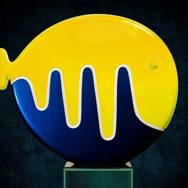 Риба (велика). 2003. Синтетичні смоли. 76х80х17