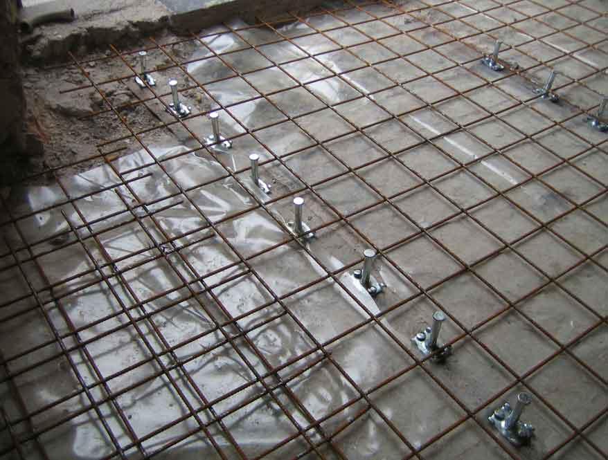 Perbandingan Konstruksi Plat Lantai Sistem Double Wire Mesh dengan Half Slab