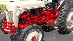 Arthurs Tractors – Specializing in Vintage Ford Tractor Parts, Repair and Restorations