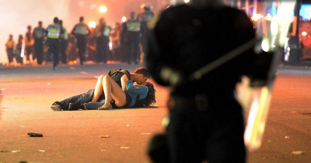 Vancouver Riot Kiss, 2011. Rich Lam/Getty Images