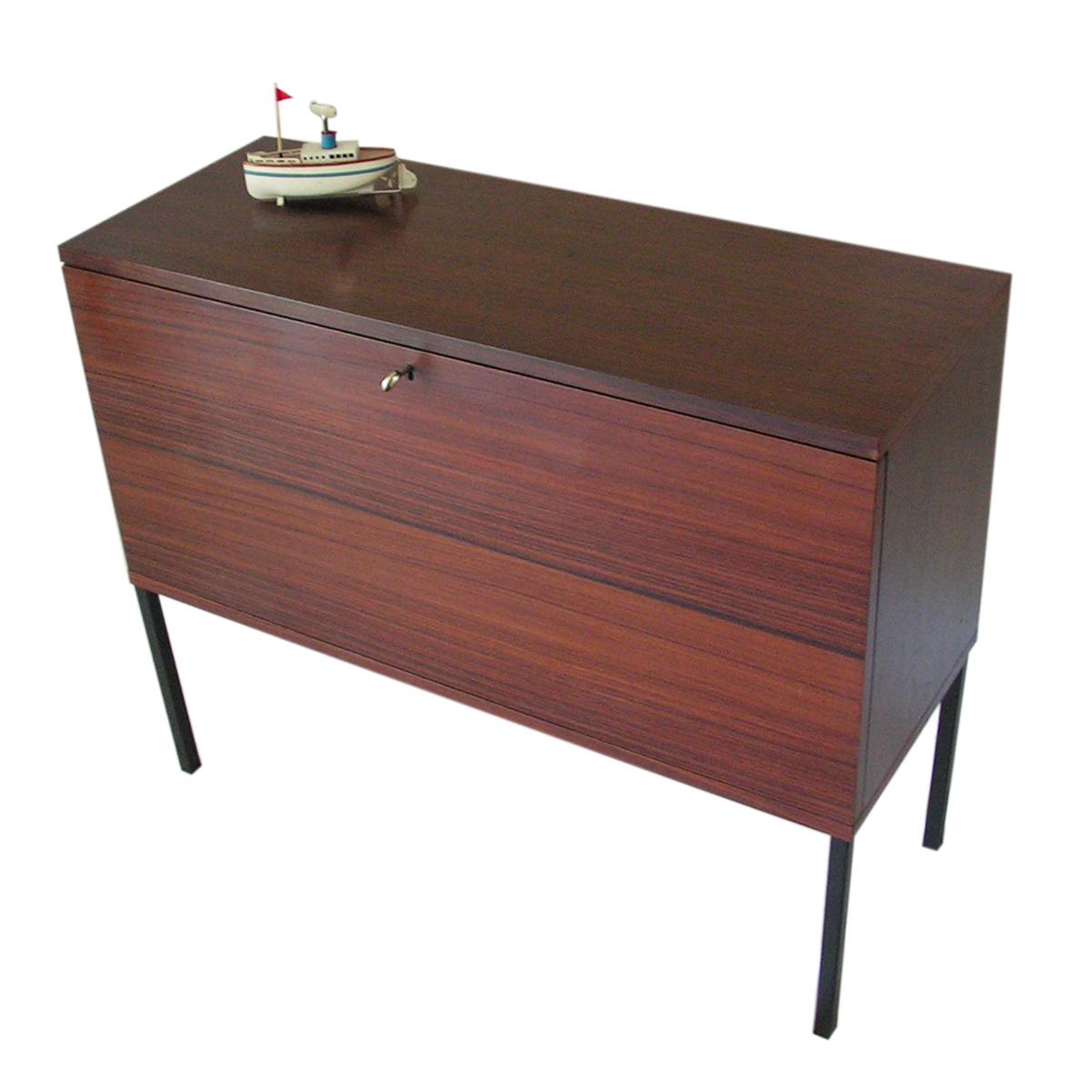 sideboard-cocktail-dry-bar-victoria-rosewood-swiss-design-baar