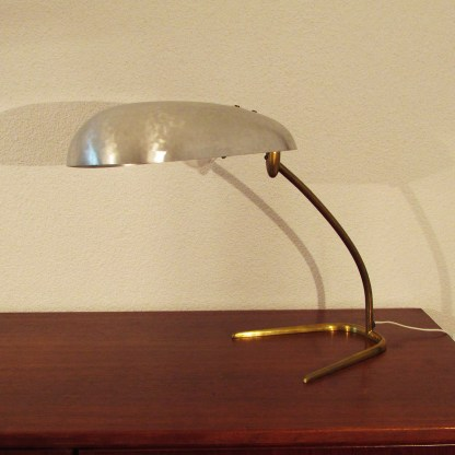 desk-lamp-swiss-design-bag-turgi