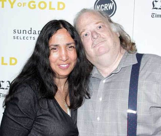 Caption Late Food Critic Jonathan Gold With His Wife Laurie Ochoa Source Getty Images