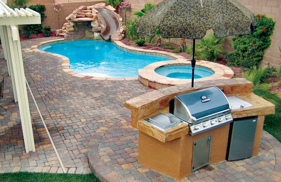 https articles bluehaven com custom poolside kitchen layouts planning ideas