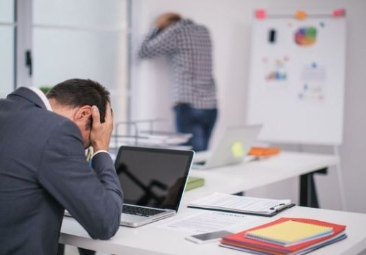 8 Early Signs of Failing Partnerships in a Professional Environment