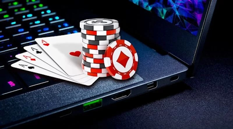How does online Poker make you more focused on the job?