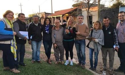 La senadora Verónica Alonso realizó el clásico «timbrazo»en Artigas