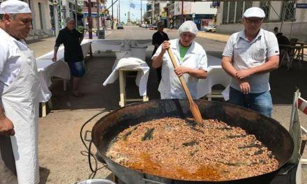 La intendencia cocinó un charque gigante que se repartió de manera gratuita