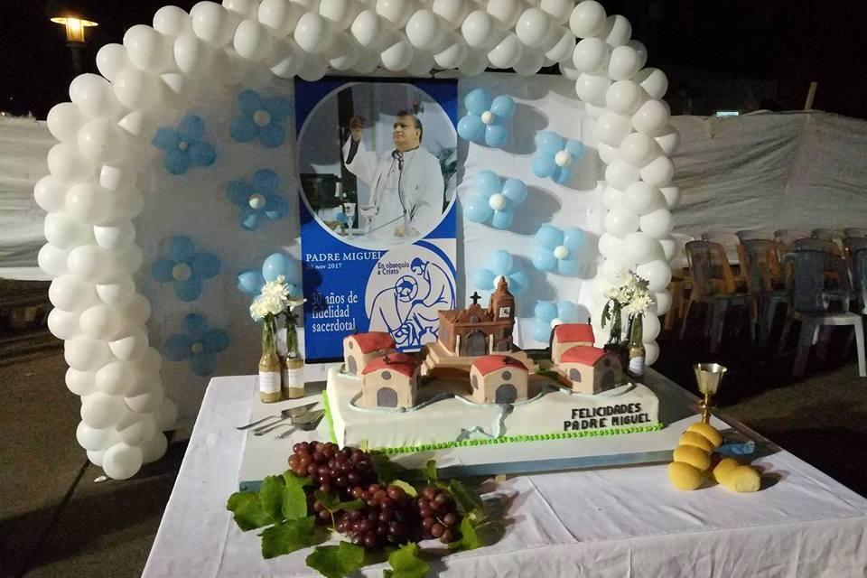 Festejan 30 años de la ordenación sacerdotal del Padre Miguel