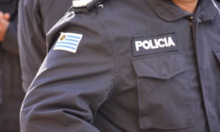 EFECTIVOS POLICIALES  NO PODRÁN USAR CELULARES Y DEBERÁN HACER CUSTODIAS DESDE FUERA DE LOS VEHÍCULOS