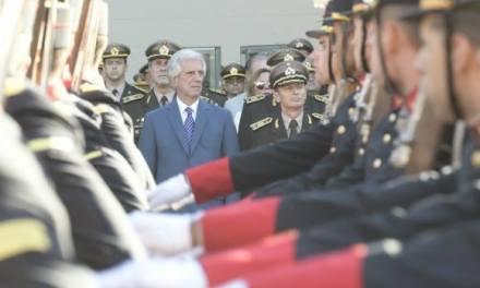PRESIDENTE VÁZQUEZ DESTITUYÓ AL MINISTRO DE DEFENSA Y TODA LA CÚPULA DEL EJERCITO