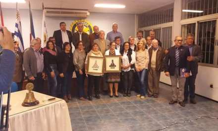 SE ENTREGÓ EL PREMIO OBELISCO AL MERITO A LUCIA FELARTIGAS DE MADRINAS POR LA VIDA Y A ANA GALLINAL POR SU BIBLIOTECA COMUNITARIA