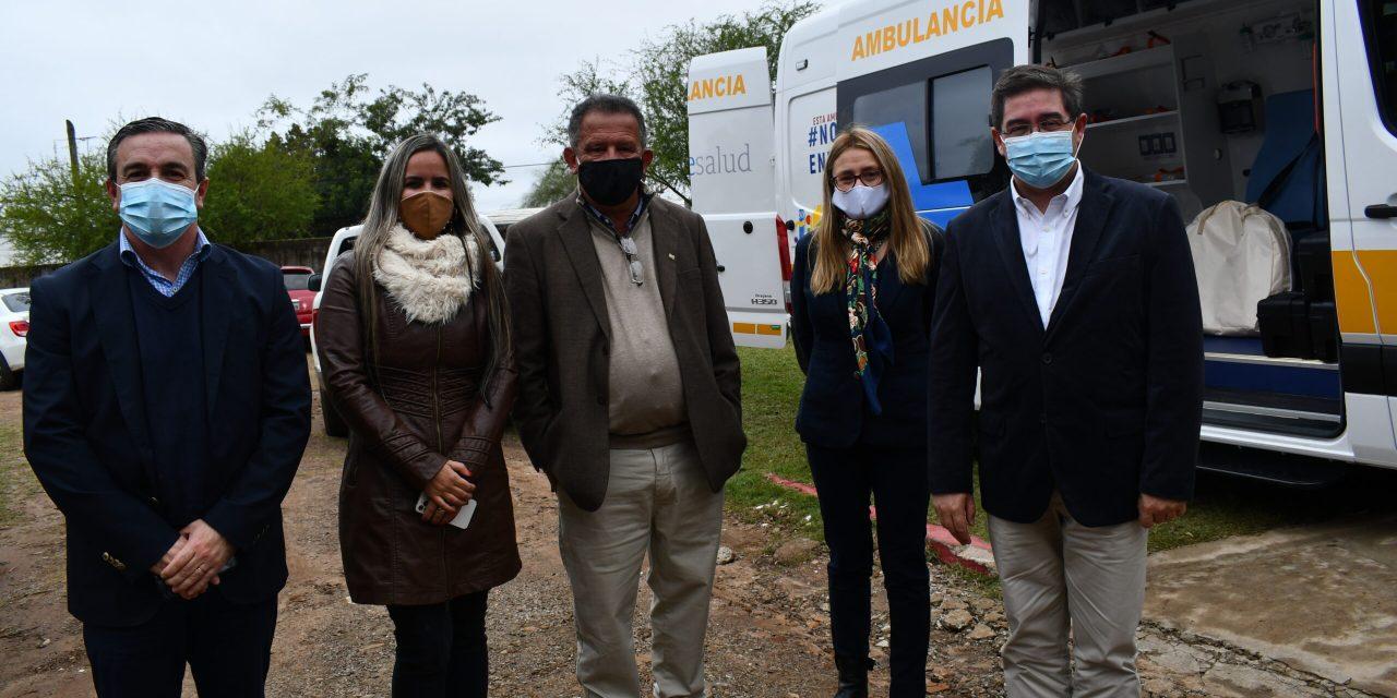 PRESIDENTE DE ASSE ENTREGÓ NUEVA AMBULANCIA PARA EL HOSPITAL LOCAL, TAMBIÉN SE PRESENTÓ AL DR. MATEO AYALA COMO DIRECTOR DEL CENTRO ASISTENCIAL.