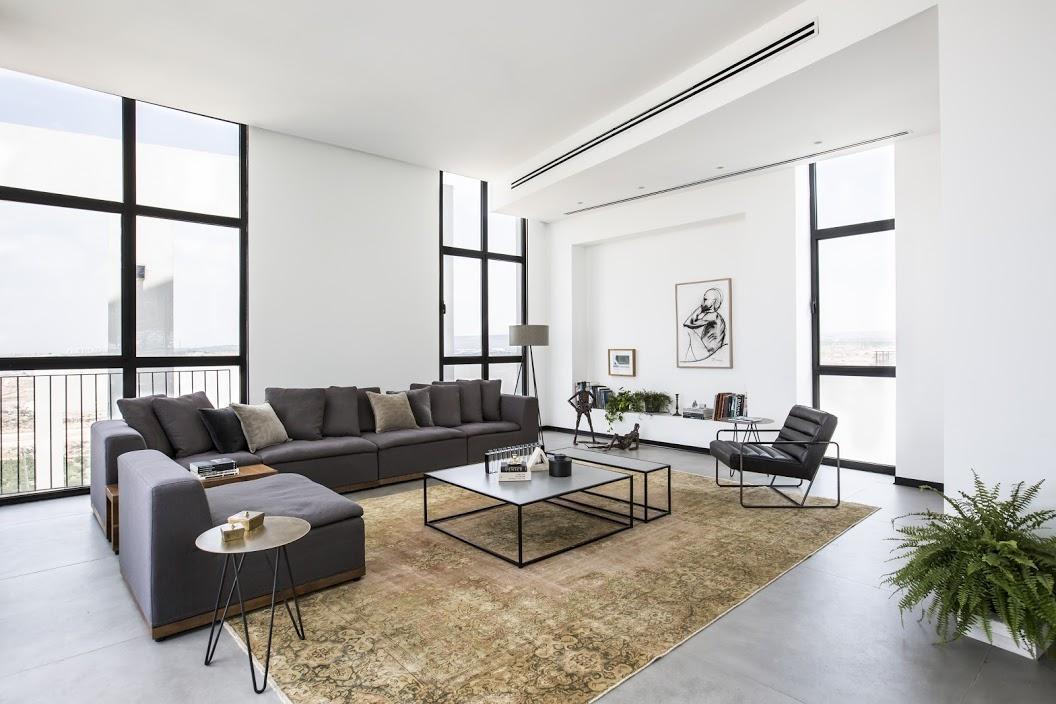 Product in Interior Credits: Artigiani Side Table | Shmoeli Ido Arhcitects | Sapir Levi Home Styling | Hila Ido Photography
