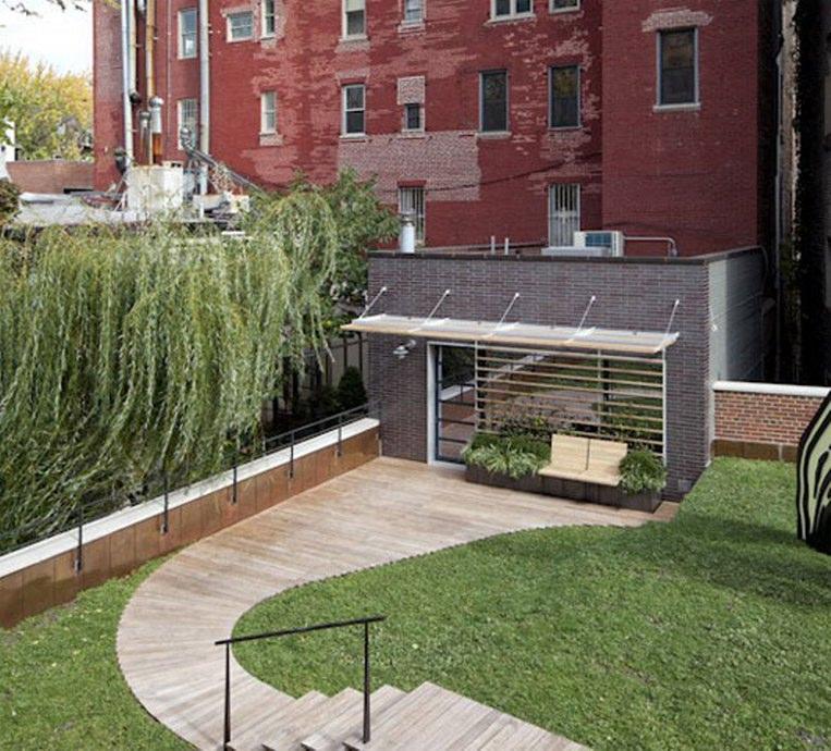 rumput buatan atap rumah