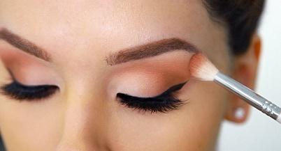 gunakan Eyeshadow