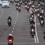 Berkendara dengan Sepeda Motor