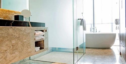 kaca kamar mandi