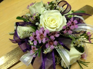 Purple_white_corsage2