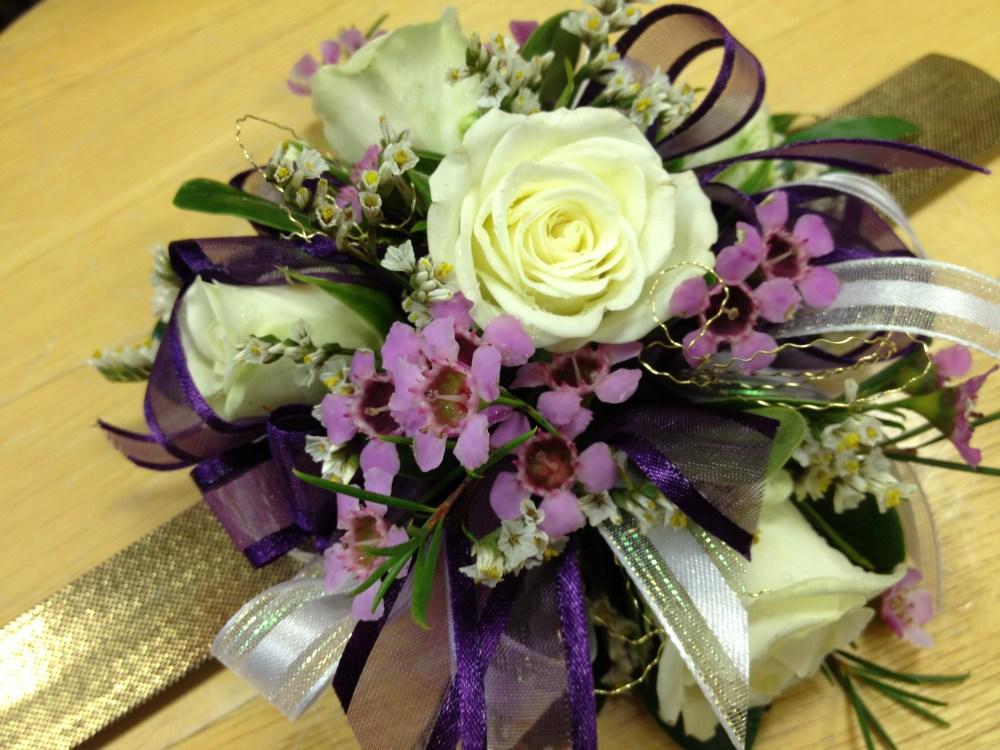 Purple_white_corsage2