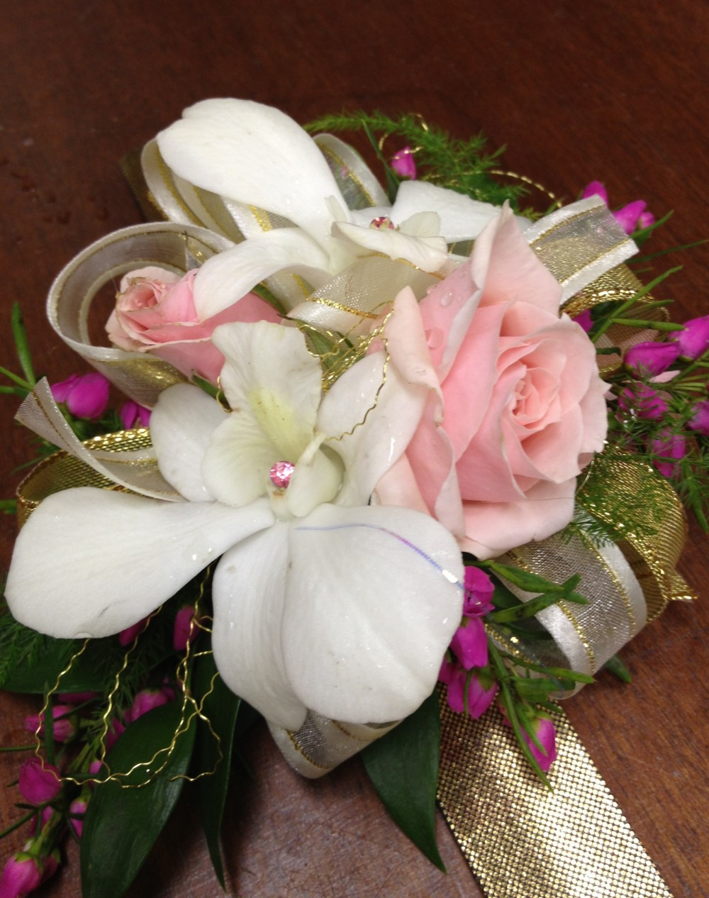 Pink&white_corsage