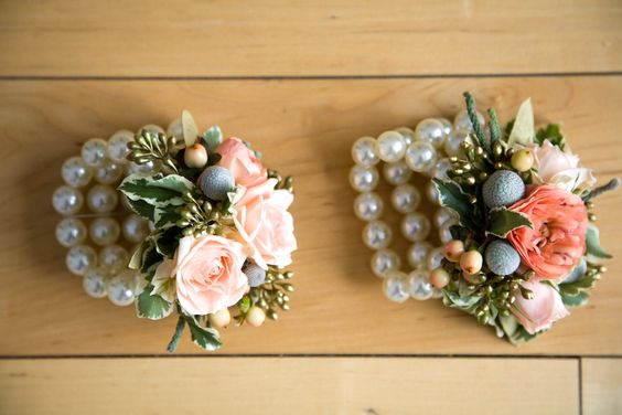 Pearl_corsages