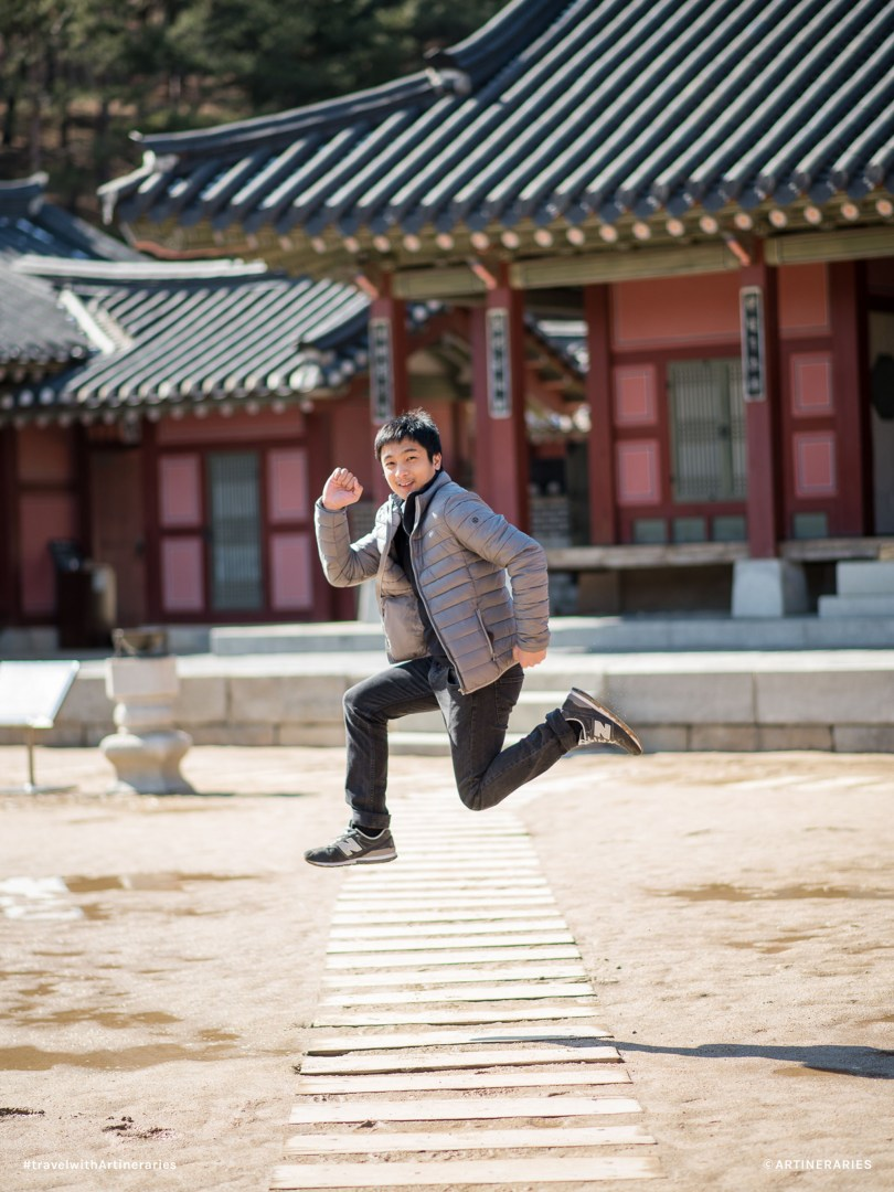 The Hwaseong Hanggeung Palace in Suwon is the place for picture-perfect jump shots.