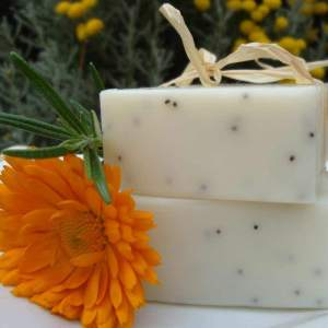 Scrub Soap | Poppy Body Scrub Soap Bar - Artisan Cosmetics