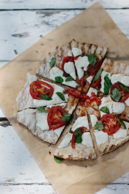 grilled margarita pizza | bread in 5