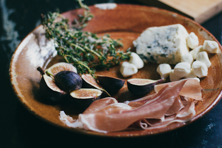 Fresh figs, bleu cheese, fresh thyme and prosciutto | Artisan Bread in Five Minutes a Day