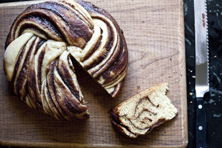 crock pot swirl bread 14
