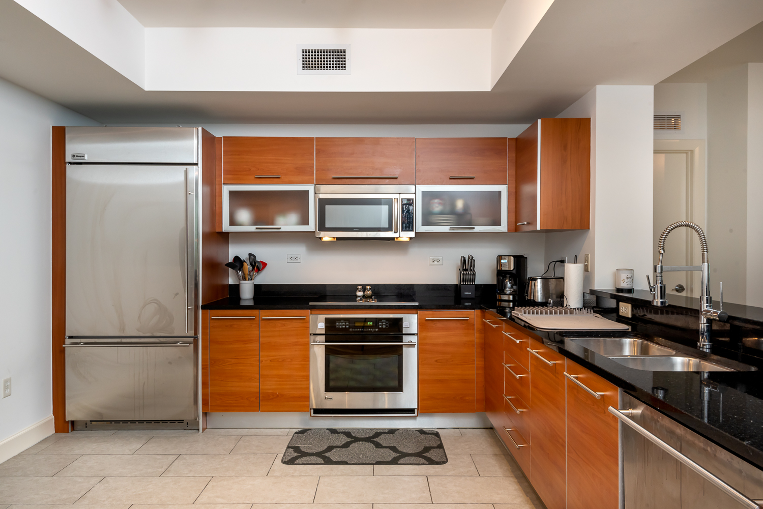 Fort-myers-fl-river-condo-oasis-kitchen-one-point-perspective