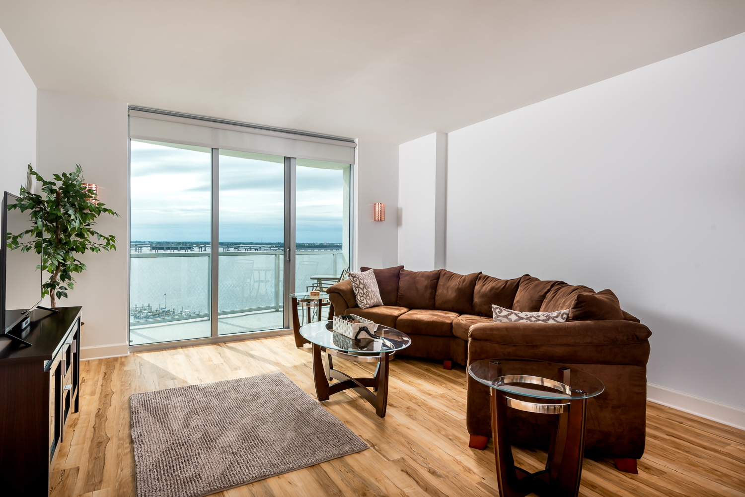 Fort-myers-fl-river-condo-oasis-living-room
