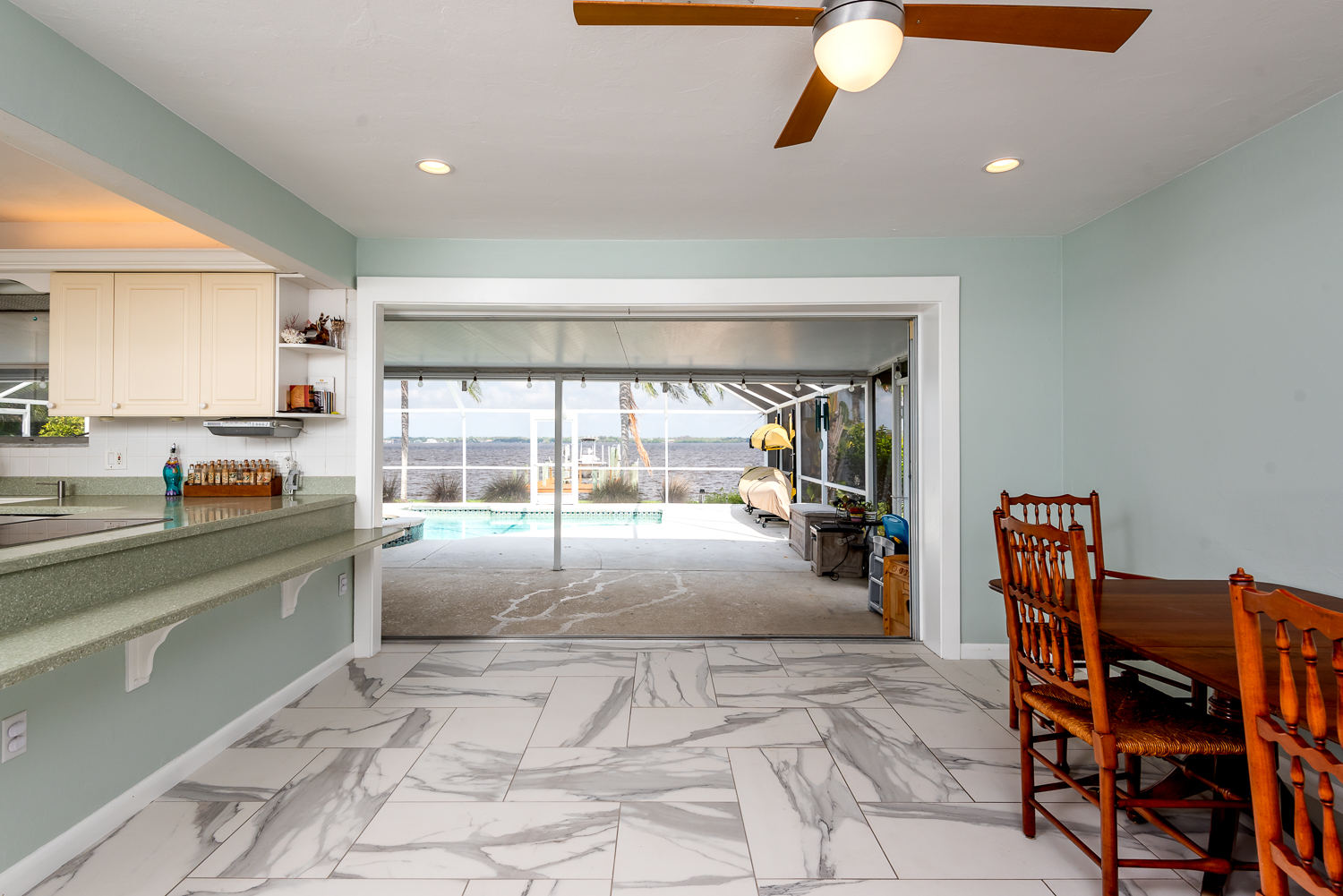 Fort-myers-fl-river-ranch-house-river-dining-room