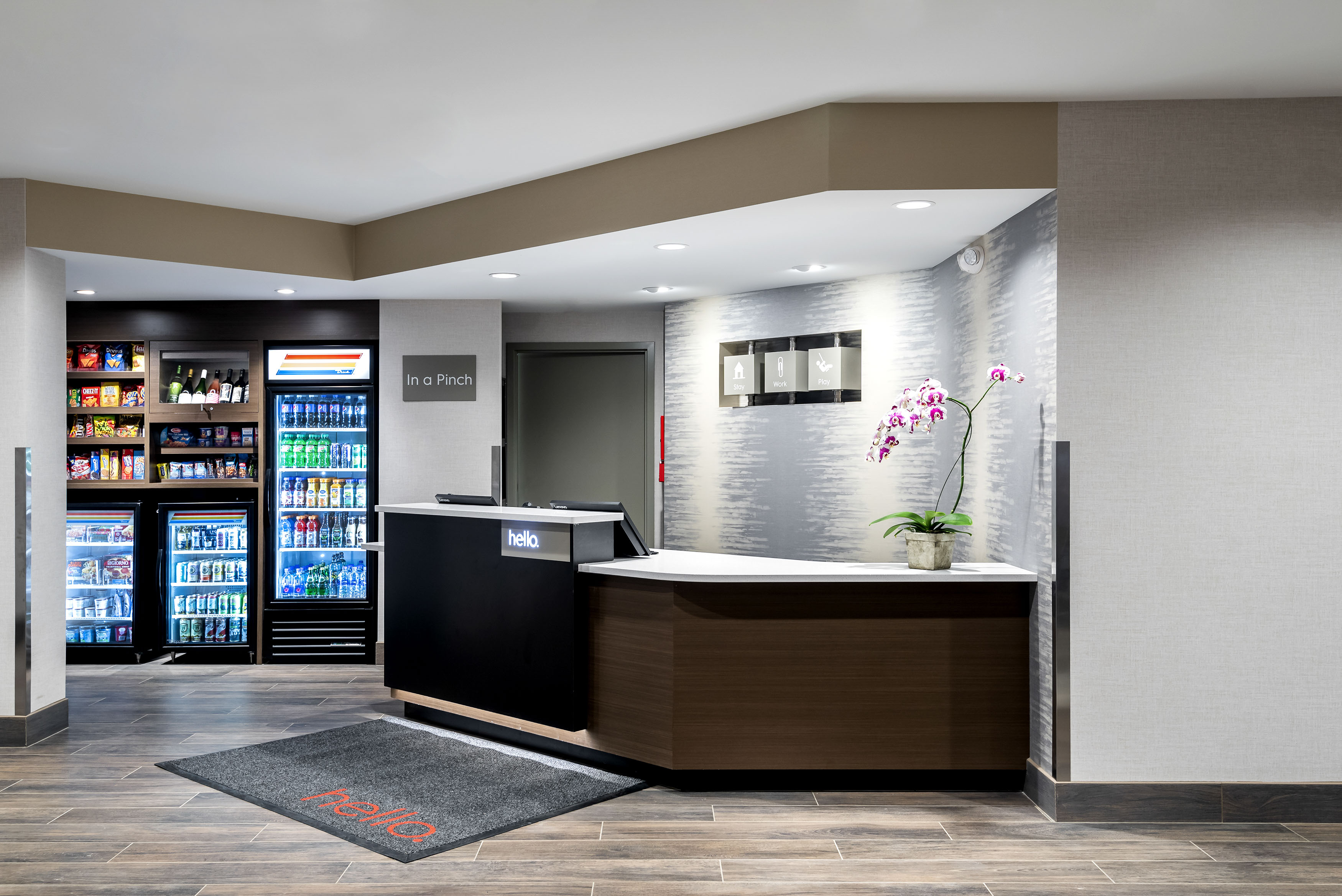 Towne-place-suite-marriott-hotels-towneplace-hotel-whitefish-montana-front-desk