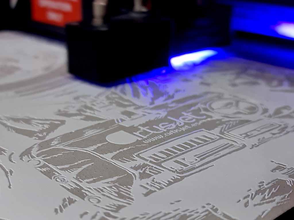 ¿Qué es la impresión UV y cómo funciona?