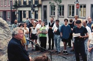 Dévoilement Prédateur Jean-Paul L'Allier, maire de la Ville de Québec Îlot Fleurie 9 août 1996