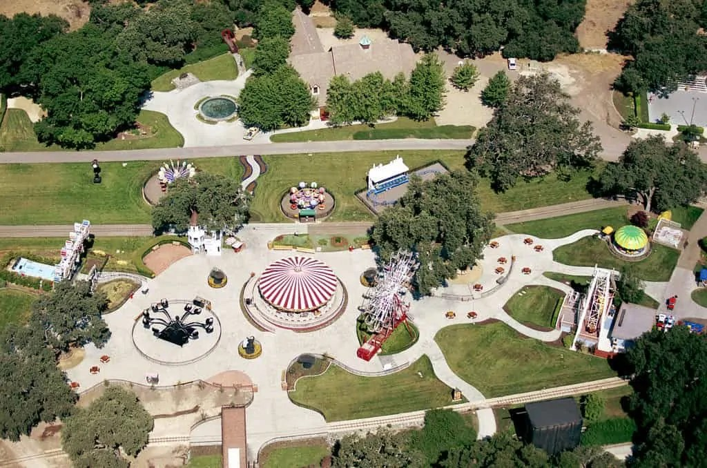 Her-14th-Birthday-Party-Michael-Jackson-Neverland-Ranch 1