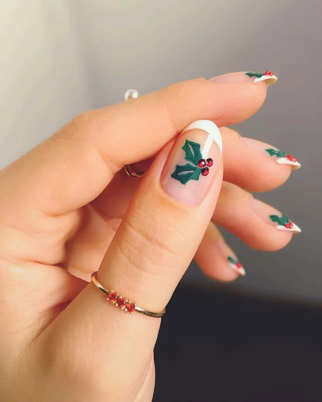 15+ Christmas Nail Ideas You Must See! 13