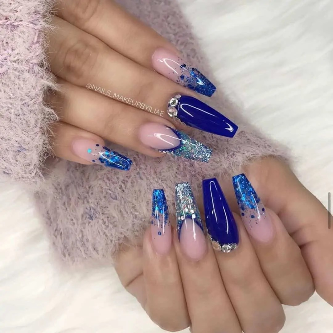 15+ Christmas Nail Ideas You Must See! 5