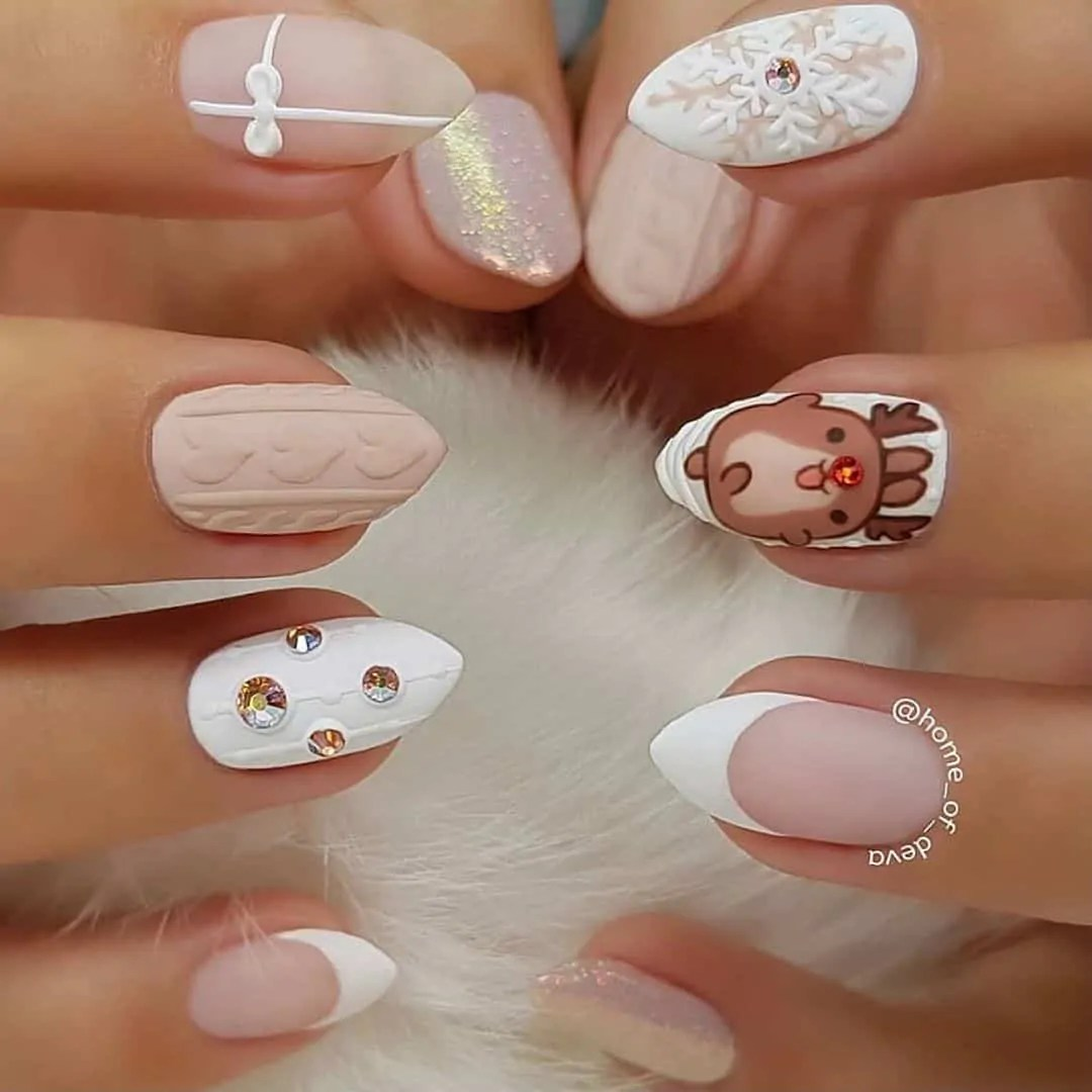 15+ Christmas Nail Ideas You Must See! 69