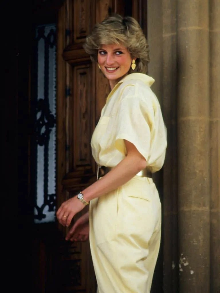 Princess Diana's Style: 150 Of The Most Iconic Princess Diana Fashion Moments 5