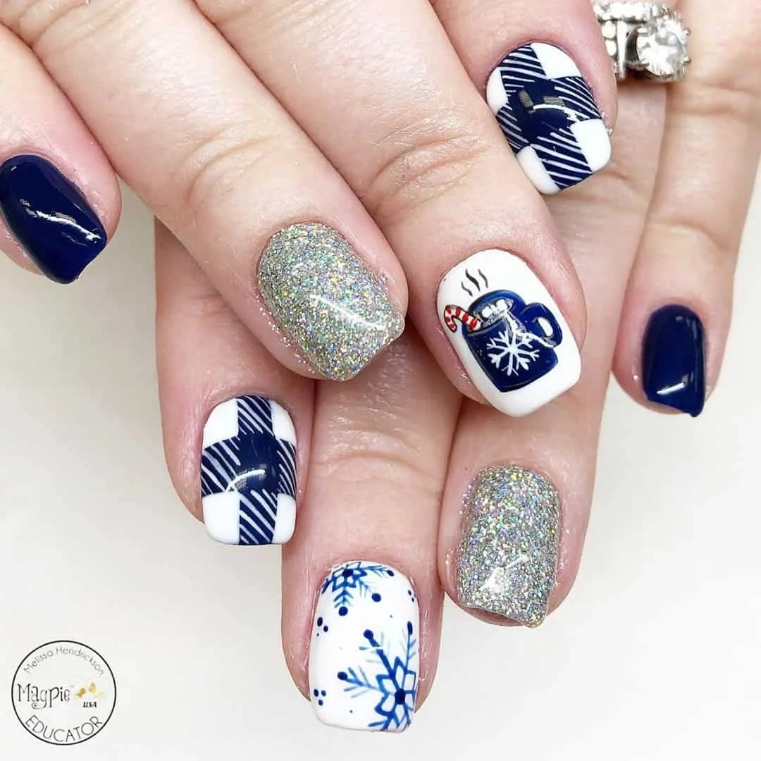 15+ Christmas Nail Ideas You Must See! 45