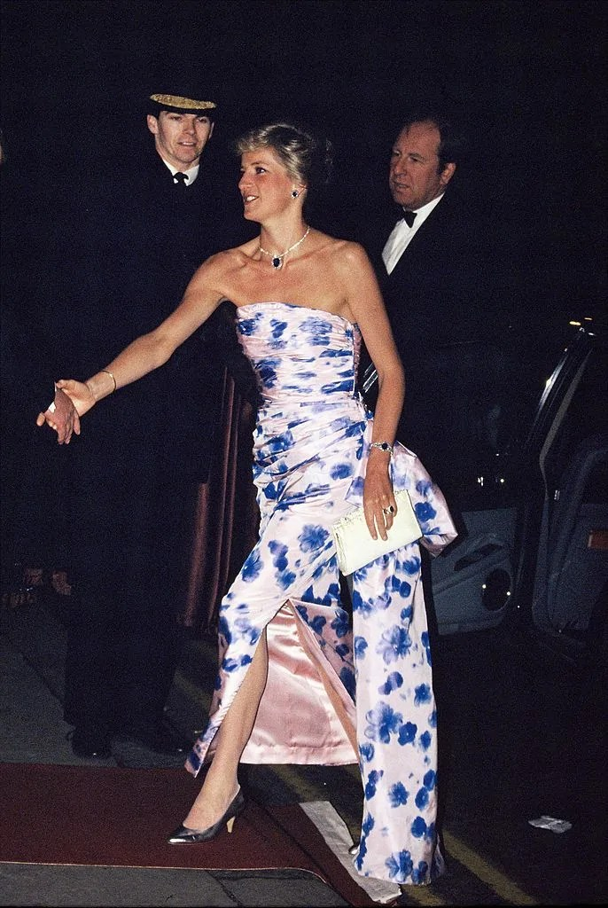 Princess Diana's Style: 150 Of The Most Iconic Princess Diana Fashion Moments 189