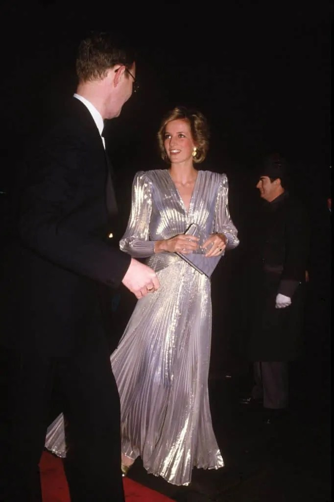 Princess Diana's Style: 150 Of The Most Iconic Princess Diana Fashion Moments 21