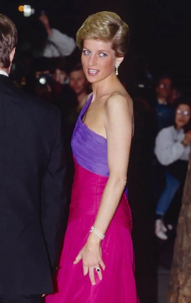 Princess Diana's Style: 150 Of The Most Iconic Princess Diana Fashion Moments 201