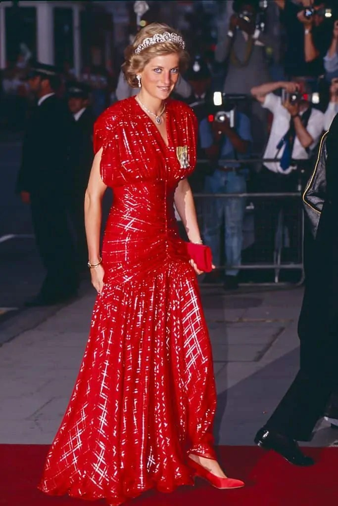 Princess Diana's Style: 150 Of The Most Iconic Princess Diana Fashion Moments 215