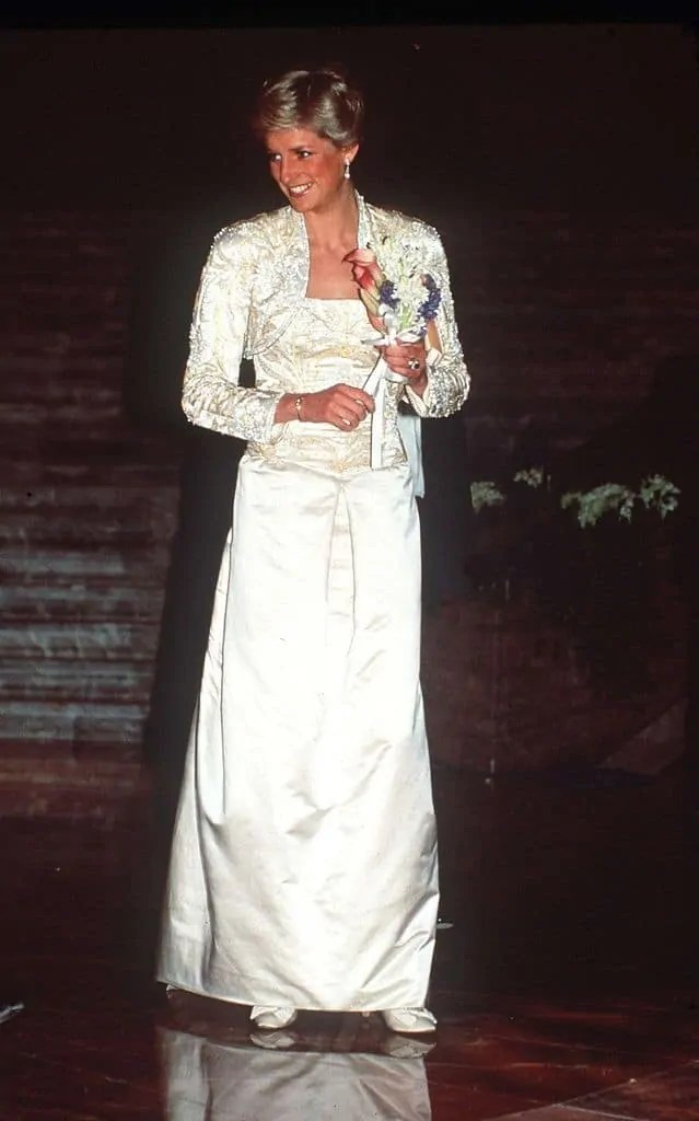 Princess Diana's Style: 150 Of The Most Iconic Princess Diana Fashion Moments 53